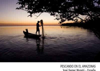 Pescando en el Amazona