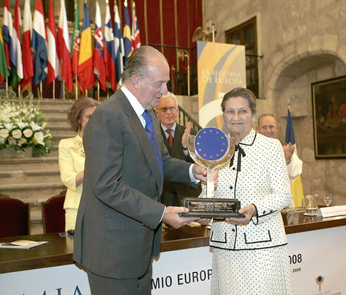 Simone Veil, Carlos V European Award holder, has died