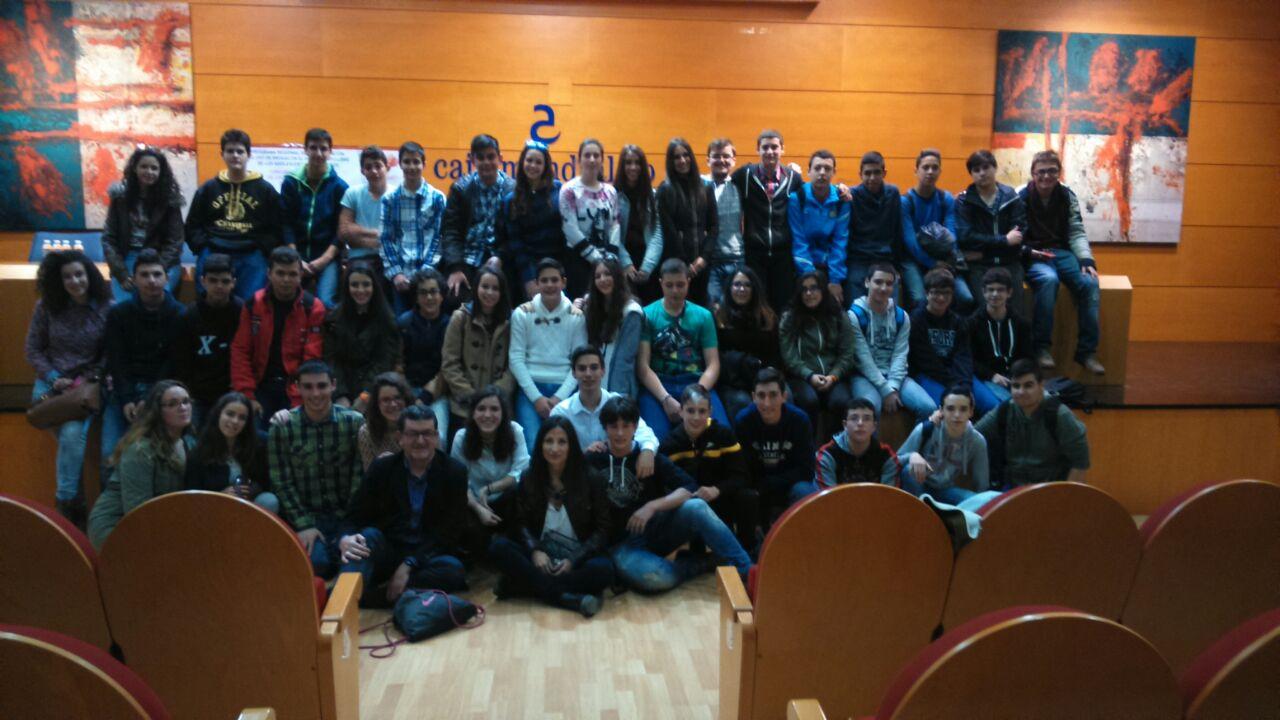 El IES Extremadura de Montijo ganador de la semifinal de la provincia de Badajoz del VI concurso de institutos sobre prevención del uso de drogas en el ocio y tiempo libres de los adolescentes extremeños