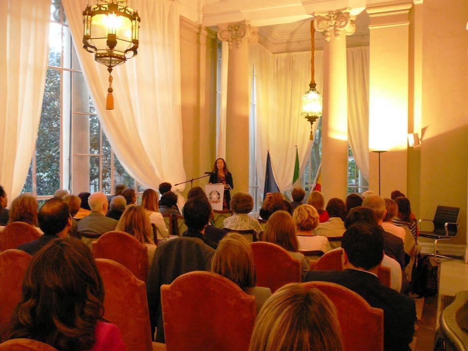 La doctora Susana del Río presenta su libro 'Europe: Project and Process. Citizens, Democracy, Participation' publicado por la Fundación Academia Europea de Yuste en la Embajada de Italia