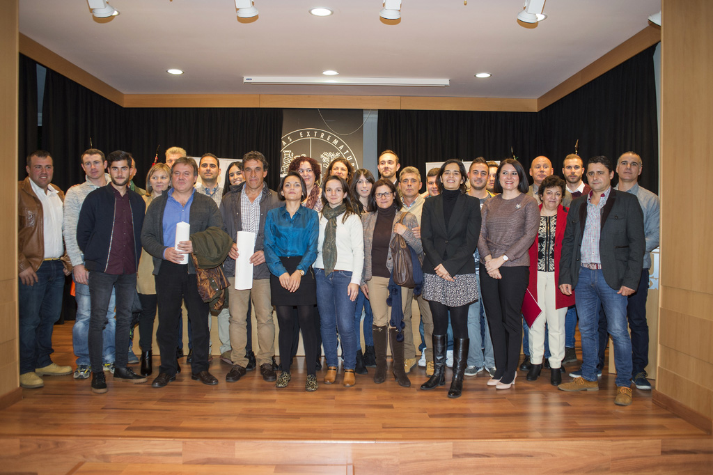 """El Programa Emprendedor para Cultivadores de Tabaco capacita a profesionales del sector que «revierten su experiencia apostando por ofrecer un futuro mejor al entorno, y por extensión, a toda Extremadura"""""""