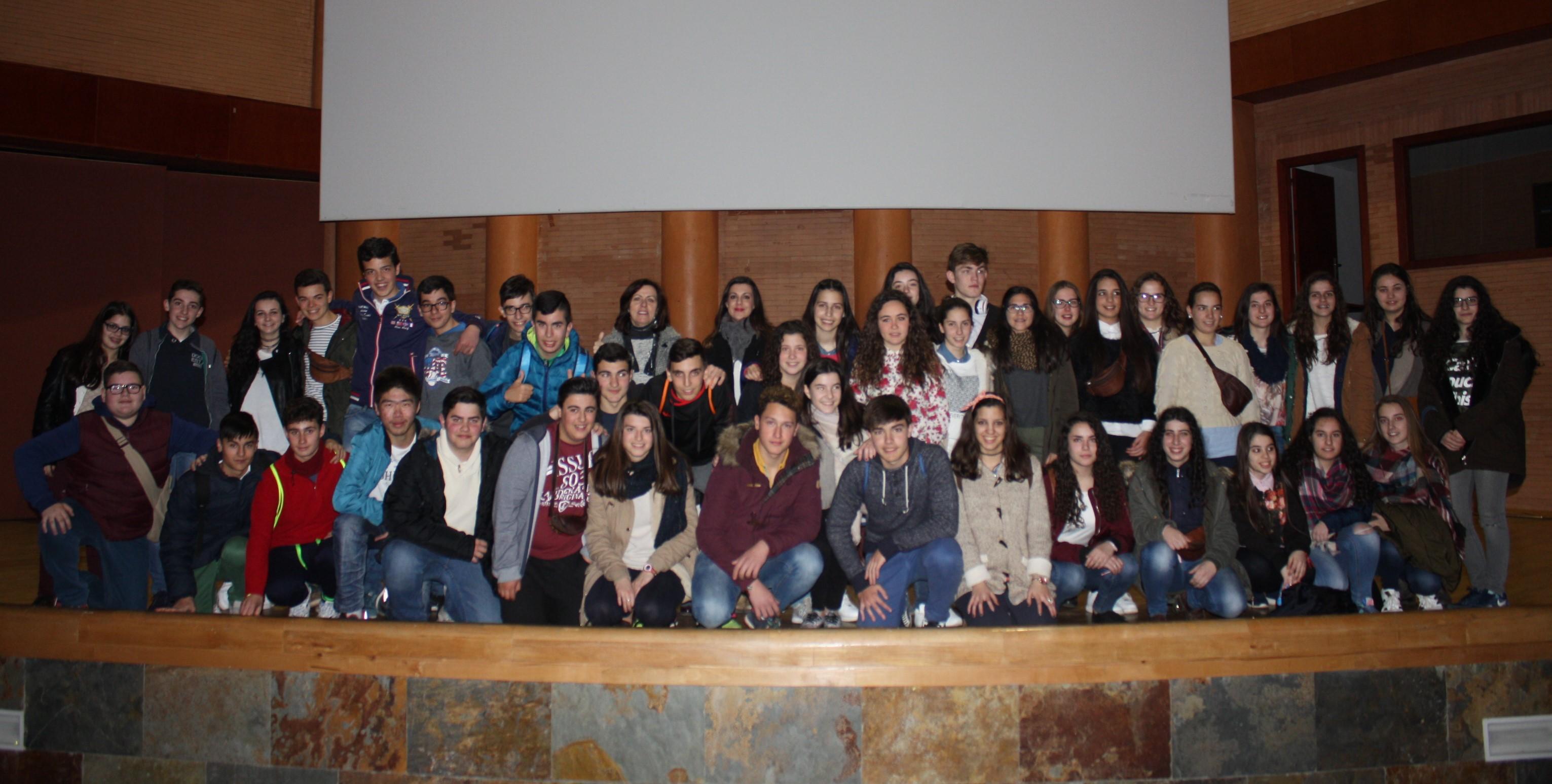El IES Fuente de Roniel de Fuente del Maestre, ganador de la semifinal de la provincia de Badajoz del VII concurso de institutos sobre prevención del uso de drogas en el ocio y tiempo libres de los adolescentes extremeños