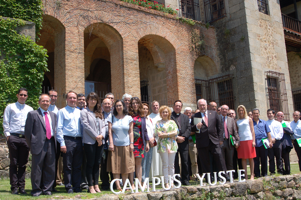 Religión, sociedad secular y violencia, a debate en los Diálogos de Yuste