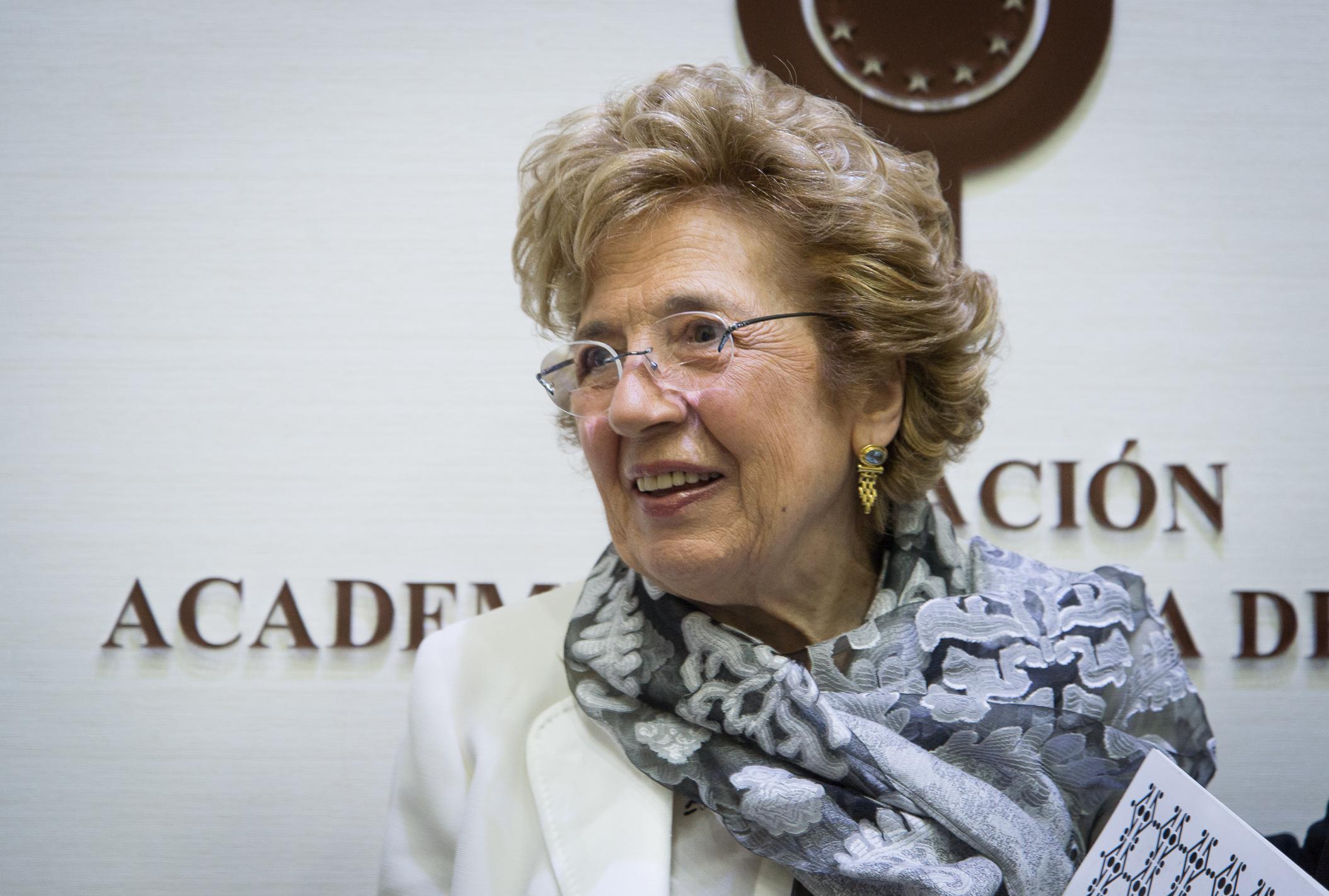 La Fundación Academia Europea de Yuste convoca 10 becas de investigación y movilidad en estudios europeos Premio Europeo Carlos V-Sofia Corradi, Mamma Erasmus