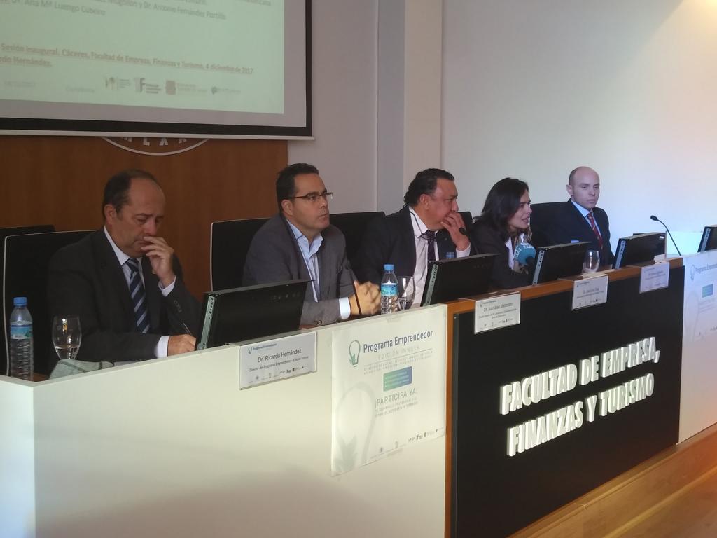 El papel del cultivador en la innovación del tabaco centra la sesión inaugural del Programa Emprendedor
