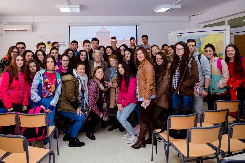 A survivor of Auschwitz visits Extremadura to share her experience with students from Ildefonso Serrano Secondary School, in Segura de León