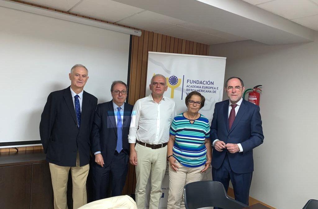 La estructura político-jurídica portuguesa y su evolución histórica será analizada por expertos de España y Portugal