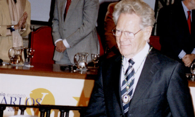 La Fundación Yuste lamenta el fallecimiento del teólogo Hans Küng, miembro de la Academia de Yuste